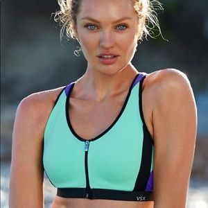 Victoria's Secret Front Close Knockout Sports Bra
